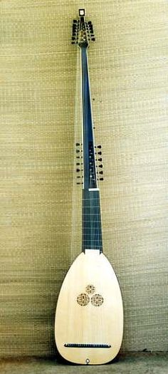 19-course theorbo