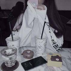Save=folow Save not folow= suxvat Korean Aesthetic, Aesthetic Photo, Aesthetic Girl, Ulzzang Korean Girl, Ulzzang Couple, Girl Photo Poses, Girl Photos, Girl Korea, Uzzlang Girl