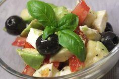 Tomaten-Avocado-Salat mit Senfdressing 1