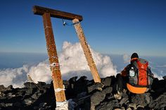 Fuji Summit 1 by The Nomad Within (Pete DeMarco), via Flickr