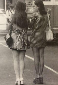 The Carnabetian Army - Total Street Style Looks And Fashion Outfit Ideas 60s And 70s Fashion, Retro Fashion, Vintage Fashion, Teen Fashion, Mod Girl, Estilo Mod, 70s Mode, Lauren Hutton, Girls Slip