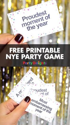 Throwing a New Year's Eve party? Our free printable New Year's Eve party game is a fun way to pass the time until midnight and look back on the best (and funniest!) things that have happened. Perfect for an NYE party for adults or kids. New Years Eve 2017, New Years Eve Games, Kids New Years Eve, New Years Activities, New Years Eve Party Ideas For Adults, Diy New Years Party, New Year's Eve Games For Adults, New Years Eve Birthday Party, New Years With Kids