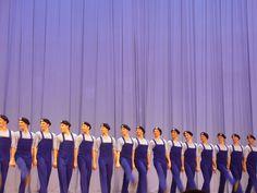 Si erano esibiti a Expo 2015, all'Open Air Theatre di Milano, fra volteggi acrobatici e quasi rocamboleschi e bellissimi vestiti colorati (per vedere le foto di quell'evento clicca qui). Allora, co…