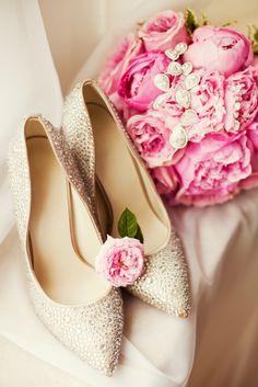 Zapatos con brillos y aplicaciones, una nueva moda