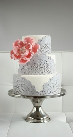 Discover 36 romantic wedding cake designs - MODwedding