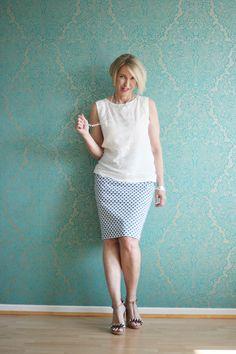 A fashion blog for women over 40 and mature women http://glamupyourlifestyle.blogspot.de/ Blouse: H+M, Skirt and Shoes: Dorothee Schumacher