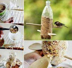 fabriquer mangeoire oiseaux bouteille plastique, etapes de la construction, matériaux disponibles