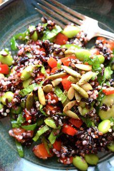 Light And Easy Quinoa Recipes Easy Green Salad Recipes, Quinoa Recipes Easy, Lettuce Salad Recipes, Mexican Salad Recipes, Salad Recipes Video, Salad Recipes For Dinner, Healthy Salad Recipes, Vegetarian Recipes, Rice Recipes