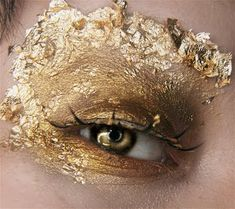 Makeup yourself, gold aesthetic, apollo aesthetic, crown aesthetic, circus aest Gold Makeup, Makeup Art, Eye Makeup, Runway Makeup, Arte Fashion, Fashion Fashion, Fashion Ideas, Fashion Dresses, Fashion Clothes