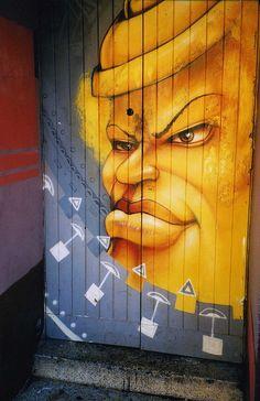 Street Art And Graffiti In Dublin Docklands, Artist Please . Best Graffiti, Street Art Graffiti, Graffiti Artwork, Art Mural, Street Installation, Cities, Famous Castles, Painted Doors, Outdoor Art