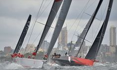 Wild Oats XI tactician Iain Murray says the 2015 forecast of strong winds in Bass Strait was 'ringing alarm bells' but the boat will not pull out of the Boxing Day classic