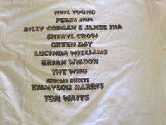 USED-RARE-NEIL-YOUNG-XL-S-S-1999-BRIDGE-SCHOOL-T-SHIRT-PIN-FREE-SHIPPING