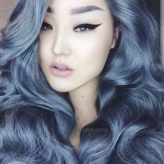 Not sure if edited or she somehow managed to get almost metallic hair, but it looks cool regardless! I could never pull off the color but shmeh.
