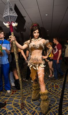 Nidalee (League of Legends) at Dragon Con 2013 - Picture by Aandrog0000
