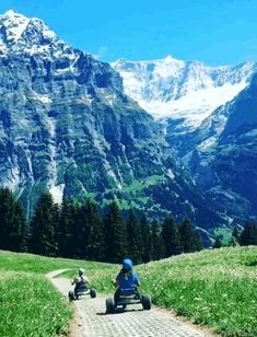Travel dreams: 13 Reasons To Pack Your Damn Bags And Go To Switzerland Right This Second - Nice! Vacation Places, Places To Travel, Places To See, Travel Destinations, Amazing Places On Earth, Kart, 13 Reasons, Triumph Motorcycles, Eurotrip