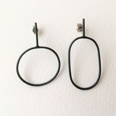 Irregular oval earrings | Contemporary Earrings by contemporary jewellery designer annabet  wyndham