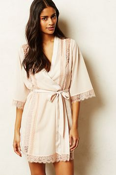 The perfect robe for a bride to be! #robe #lingerie #sexyrobe