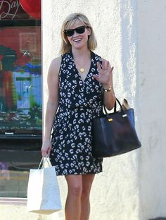 Reese Witherspoon - Reese Witherspoon Shops in Brentwood