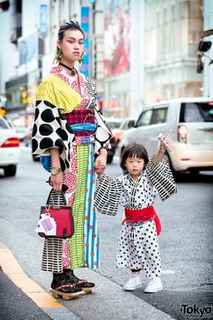 """tokyo-fashion: """"Tokyo-based designer Tsumire and her daughter Ivy wearing colorful handmade yukata - along with accessories from Tsumire's brand The Ivy Tokyo - on the street in Harajuku. Full Looks """" Tokyo Fashion, Japan Street Fashion, Fashion Male, Tokyo Street Style, Harajuku Fashion, Kimono Fashion, Trendy Fashion, Korean Fashion, Fashion Outfits"""