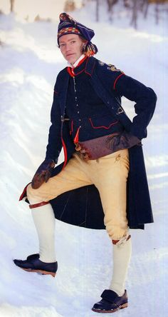 FolkCostume&Embroidery: Mens costume of Leksand, Dalarna, Sweden, and Leksand embroidery