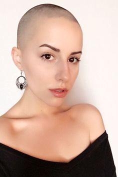 Bald Heads - Hairl Loss Tips Girls With Shaved Heads, Natural Hair Styles, Short Hair Styles, Super Short Hair, Bald Hair, Bald Women, Shaved Hair, Hair Inspiration, Cool Hairstyles