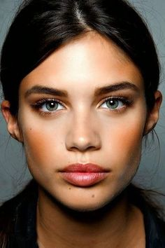 15 amazing sets of eyebrows: I am just so thrilled that eyebrows are back in style. I'm working hard to fill mine back in, but I'm battling some bald spots. :(