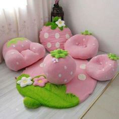 Awsome strawberry furniture for a little girls room or playroomCharming and Stylish Strawberry Furniture.Pink strawberry couch set for childrenUm okay omigosh waaaaant!Cute Strawberry Kid& Room Decor, from Beddinginn. Cute Furniture, Green Furniture, Deco Furniture, Furniture Stores, Furniture Ideas, Kawaii Room, Couch Set, Carpet Design, Little Girl Rooms