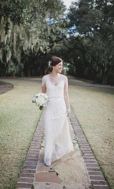 Used Jenny Packham Wedding Dress Eden, Size 6    Get a designer gown for (much!) less on PreOwnedWeddingDresses.com