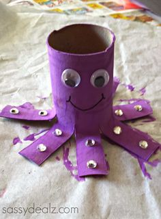 Octopus Toilet Paper Roll Craft For Kids #Recycled empty TP tube art project | http://www.sassydealz.com/2014/01/octopus-toilet-paper-roll-craft-for-kids.html