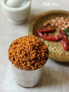 Palli Podi or Spicy Peanut Powder is a famous dry chutney powder from Andhra Pradesh, India. It is usually served with steamed rice. You can simply mix it with rice, drizzle some ghee and enjoy. Homemade Spices, Homemade Seasonings, Masala Powder Recipe, Podi Recipe, Peanut Chutney, Sauces, Peanut Powder, My Favorite Food, Favorite Recipes