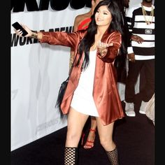 Kylie Jenner Supports Tyga at 'Furious Premiere!: Photo Kylie Jenner walks down the carpet to greet a friend at the Furious 7 premiere on Wednesday (April at the TCL Chinese Theatre in Hollywood. Photos Kylie Jenner, Style Kylie Jenner, Le Style Du Jenner, Nails Kylie Jenner, Looks Kylie Jenner, Kylie Jenner Outfits, Kendall And Kylie Jenner, News Fashion, Fashion Casual