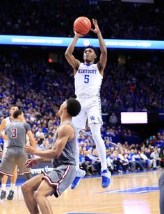 Immanuel Quickley of Kentucky Wildcats shoots the ball against the Southern Illinois Saluki at Rupp Arena on November 9 2018 in Lexington Kentucky Kentucky College Basketball, Wildcats Basketball, Duke Basketball, Basketball Players, College Football, Sports Teams, University Of Kentucky, Kentucky Wildcats, Go Big Blue