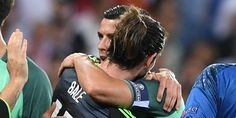 Euro 2016: Pujian Gareth Bale Untuk Rekan Setimnya Cristiano Ronaldo - http://www.rancahpost.co.id/20160757778/euro-2016-pujian-gareth-bale-untuk-rekan-setimnya-cristiano-ronaldo/