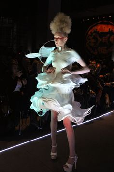 From Spray Can To Catwalk. Fabrican Spray-On Couture Collection. E Textiles, Theatre Costumes, Spray Can, Wearable Technology, Comme Des Garcons, Future Fashion, Couture Collection, Wearable Art, Catwalk