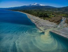 Etna e foce del fiume Alcantara Places In Italy, Places To See, Wonderful Places, Beautiful Places, Voyage Rome, Italy Landscape, Palermo Sicily, Living In Italy, Italy Holidays