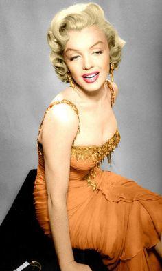 Marilyn Monroe in orange dress. <3