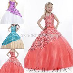 Lindos vestido de princesas de diferentes colores.