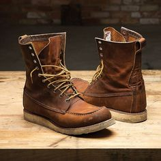 The 8830 Mocs in Copper Rough and Tough are a slight twist on an Icon. Red Wing Heritage Boots, Red Wing Boots, Jeans And Sneakers, Jeans And Boots, Ripped Jeans, Fashion Boots, Mens Fashion, Rugged Style, Wedge Boots