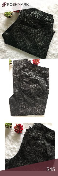 Just In🔹 Lane Bryant Metallic Animal Print Jeans NWOT Lane Bryant Black & Metallic Silver Colors Leopard Animal Print Jeans. 🔹 Great for a night out, versatile For any season.🔹Bundle & Save🔹Taking Reasonable offers!! 🤗Thanks 🌸 Lane Bryant Jeans Skinny
