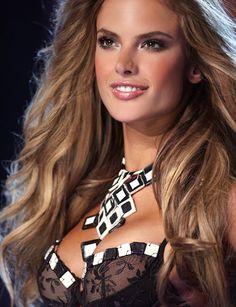 Alessandra_Ambrosio_ light_brown_caramel_highlights hair