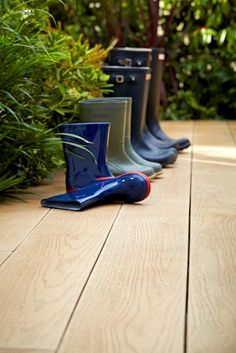 Golden Oak Millboard Composite Decking has a warm wheat colour, brightening up your garden design with mellow tones.