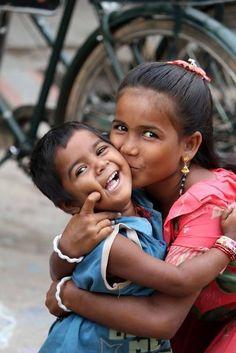 un sourire un petit bonheur - Page 2 Beautiful Smile, Beautiful Children, Beautiful World, Beautiful People, Kids Around The World, People Around The World, Smile Face, Make You Smile, Smiles And Laughs