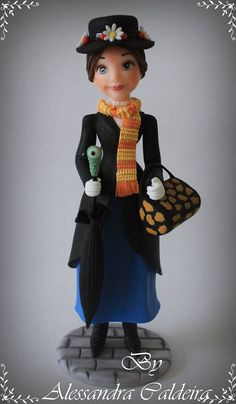 Mary Poppins by Alessandra Caldeira Polymer Clay Figures, Polymer Clay Dolls, Fondant Figures, Mary Poppins, Movie Crafts, Clay Figurine, Disney Cakes, Sugar Art, Childrens Party