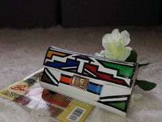 #Ndebele #NdebeleArt Louis Vuitton Twist, African Art, Arts And Crafts, Shoulder Bag, Tote Bag, Bags, Handbags, Carry Bag, Dime Bags