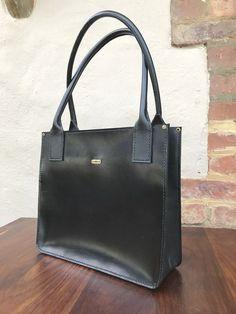 38eff2242c The Vintage Satchel Handbag has a top zip opening to the main ...