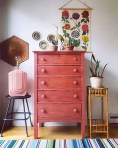 Chalk Paint® in Scandinavian Pink chest of drawers Chalk Paint® in Scandinavian Pink chest of drawers Annie Sloan Home anniesloanhome Scandinavian Pink Canadian Annie Sloan Stockist Atelier 111 […] painted furniture Furniture, Pink Chalk, Pink Dresser, Pink Furniture, Painted Furniture, Pink Chests, Home Decor, Pink Chest Of Drawers, Annie Sloan Painted Furniture