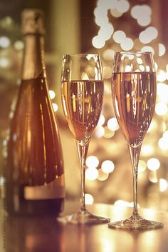 Two champagne glasses against festive background by Sandra Cunningham - Champagne, New year's eve - Stocksy United Wine Mixed Drinks, Champagne Drinks, Champagne Bottles, Cute Tumblr Wallpaper, Cute Wallpapers, Happy B Day, Happy New Year, Champaign Glasses, Toast