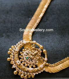 Kasu Haram with Lakshmi Pendant - Indian Jewellery Designs Gold Earrings Designs, Gold Jewellery Design, Gold Designs, Diamond Jewellery, Fashion Jewelry, Women Jewelry, Gold Jewelry Simple, Jewelry Model, Temple Jewellery