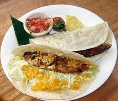 Best Fish Tacos in the WORLD! Ono Fish Tacos at Leilani's On the Beach - Kaanapali Maui, HI