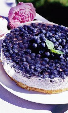 Kevyt mustikka-jogurttikakku (in Finnish only) - blueberry yoghurt cake Finland Food, Cake Recipes, Dessert Recipes, Delicious Desserts, Yummy Food, Scandinavian Food, Sweet Pastries, Sweet And Salty, Cheesecakes